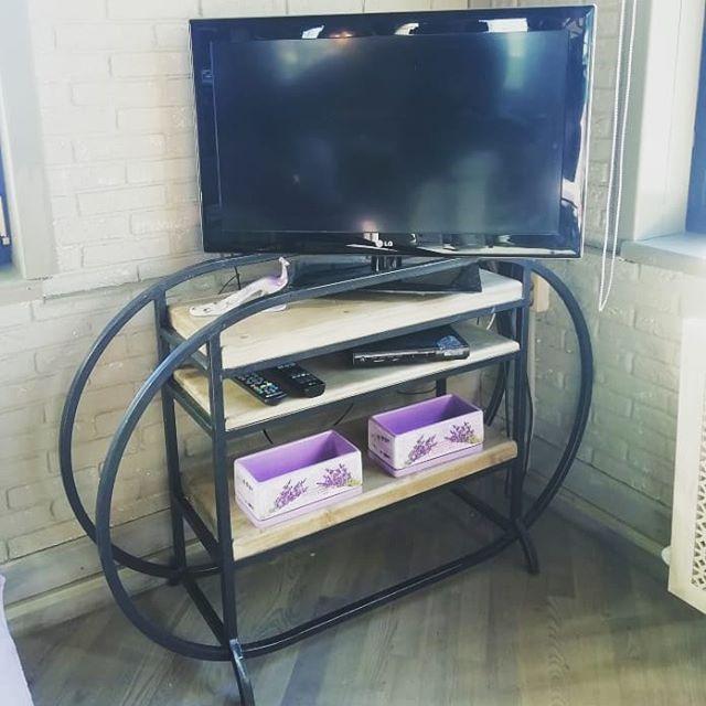 Подставка под телевизор. #телевизор #подставка